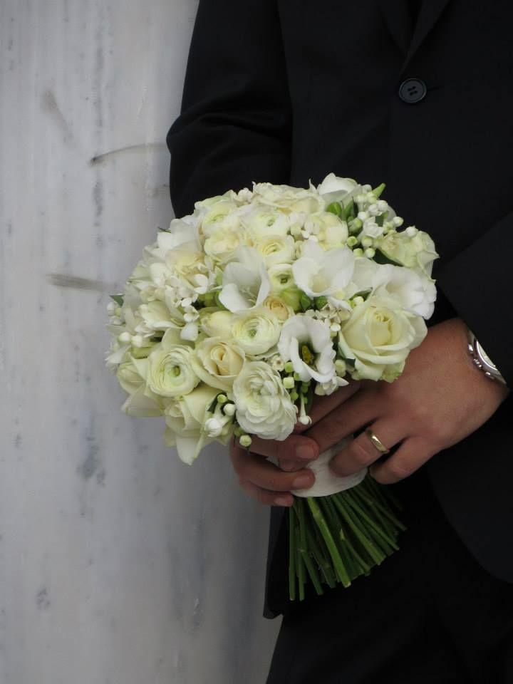 Bouvaridia , White avalanche roses , freesia , lisianthus , eustoma , ranunculus