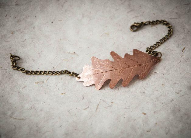 Braccialetti - Braccialetto in metallo con foglia di quercia - un prodotto unico di SilviaWithLove su DaWanda