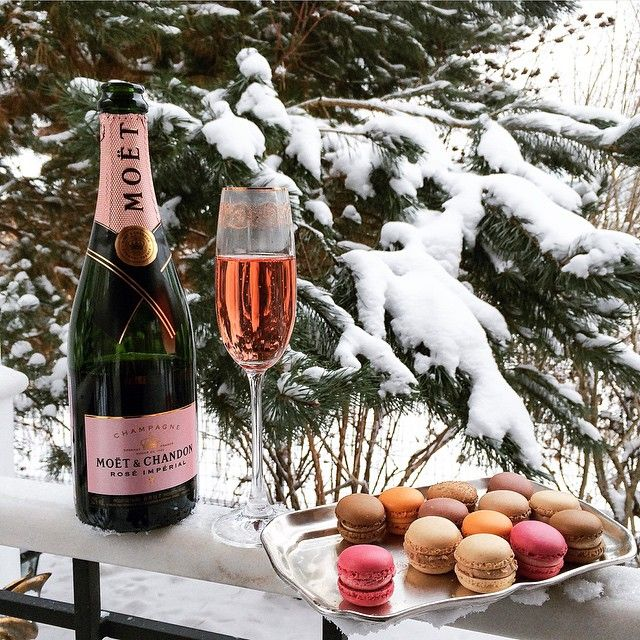 Champagne and Macarons in Winter Wonderland ♥