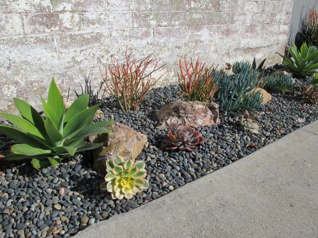 51 best images about rock flower beds on pinterest river for No maintenance flower bed