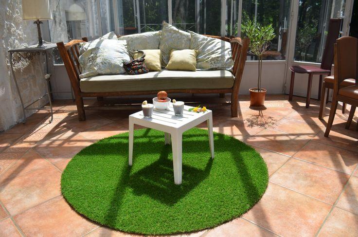les 25 meilleures id es de la cat gorie tapis gazon synth tique sur pinterest maisons pour. Black Bedroom Furniture Sets. Home Design Ideas