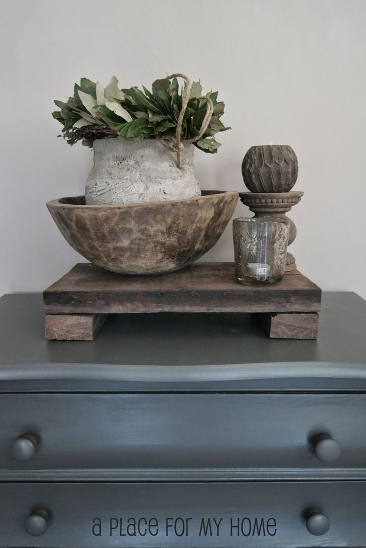 Side table decoration | www.aplaceformyhome.blogspot.nl