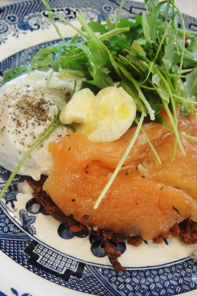 Potato rosti with salmon and a poached egg from Hemelhuijs! My favourite breakfast :)