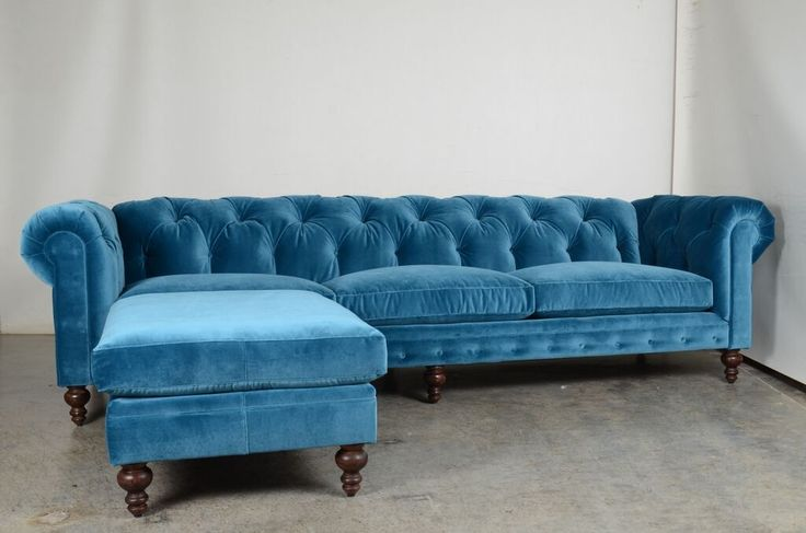 Stunning new peacock blue sofa | Soho Chesterfield Tufted Sofa with Chaise Ottoman | JB Martin Como - Cyan velvet | COCOCO Home