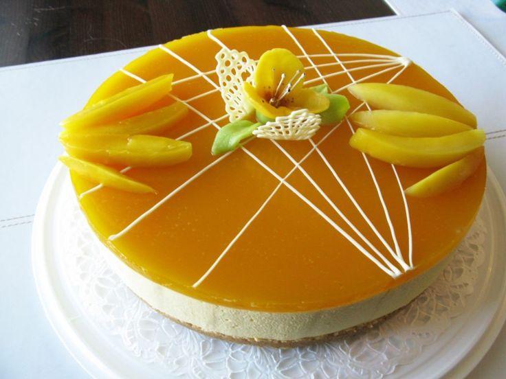 Suussasulava mangohyytelökakku