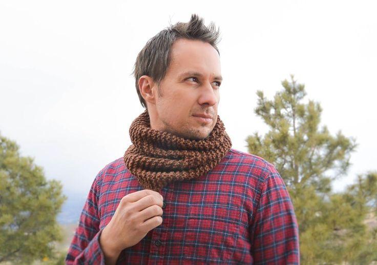 Mens Knit Cowl - cute beginners knitting pattern