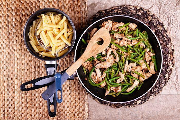 Csirkés, zöldbabos ragu tésztával