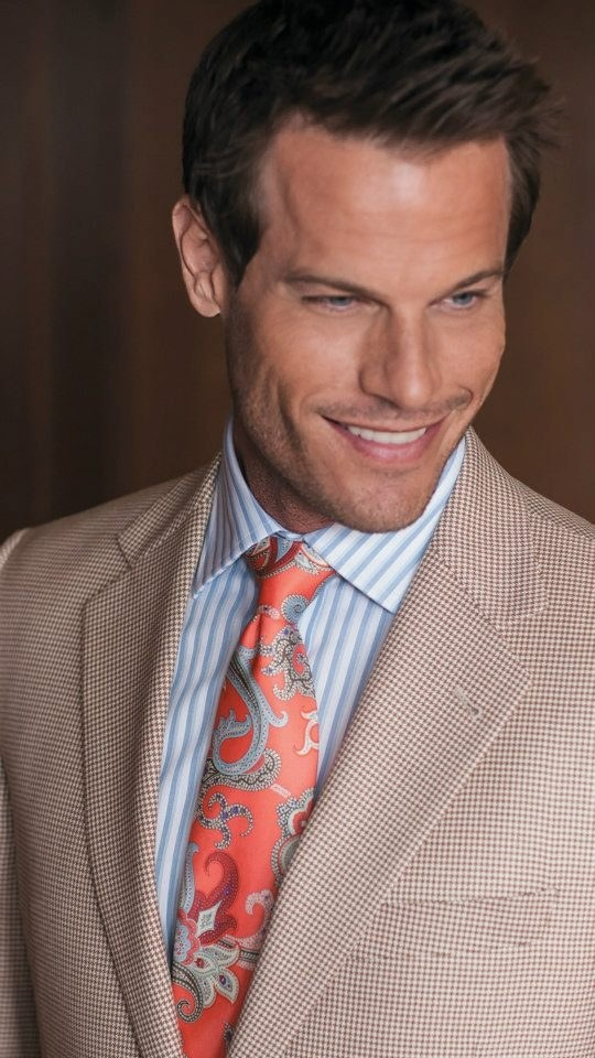 Brett Hollands for @Von Maur  (May 2013) @Next Management  #bretthollands #supermodel #model #fordmodels #nextmodels #fordmodels_chi #Canadian #smile #vonmaur #tie #jacket #shirt