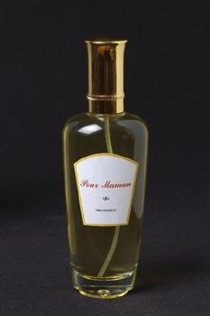 """Eric Pougeau  Parfum, """"Pour maman""""  Vaporisateur et urine, 2004"""