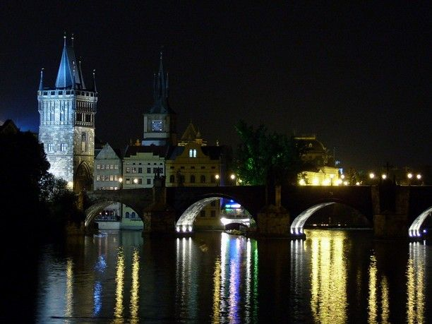 Charles Bridge, Prague, Czech Republic - View of Charles Bridge...