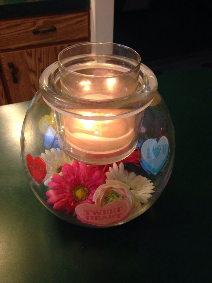 Clearly Creative GloLite jar from PartyLite decorated for Valentines day  To order go to:  www.partylite.biz/Sjscandles
