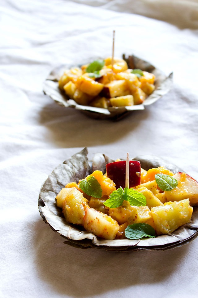 fruit chaat - sweet, tangy and spicy medley of seasonal fruits