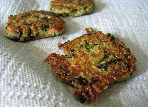 Quinoa Cakes with Spinach and Goat Cheese: Health Food, Recipe, Quinoa Patties, Healthy Eating, Chee Quinoa, Spinach Quinoa Cakes, Cakes Spinach, Goats Cheese, Goat Cheese