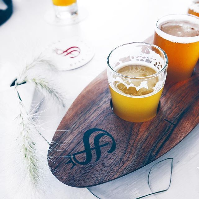 """@INSTANOMSS  Who's going to @idsvancouver this weekend? And did ya know @strathconabeer will be the official """"watering hole"""" for IDS Vancouver?! 🍺🍻 Grab a beer and 🍕 before/after the show K 😘 . . . . . . #instanomss . . . #buzzfeedfood#b"""