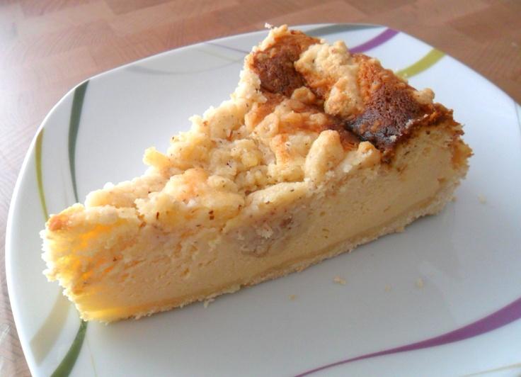 Gluten-free cheese cake with almond crumble |  Glutenfreier Käsekuchen mit Mandel-Mürbteig
