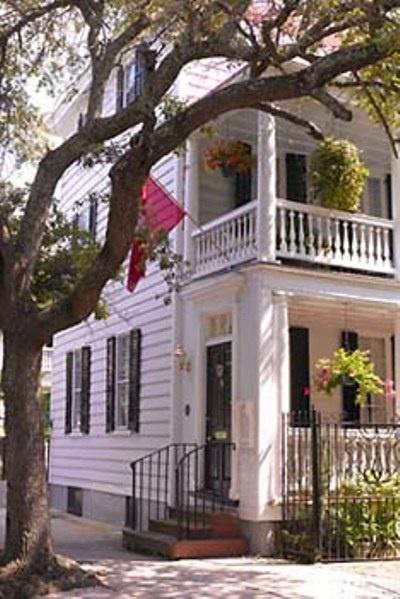 36 Meeting Street Bed & Breakfast - Charleston, South Carolina. Charleston Bed and Breakfast Inns