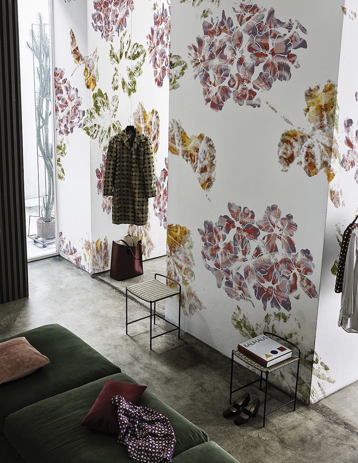 Brit-chic www.wallanddeco.com #wallpaper, #wallcovering, #cartedaparati