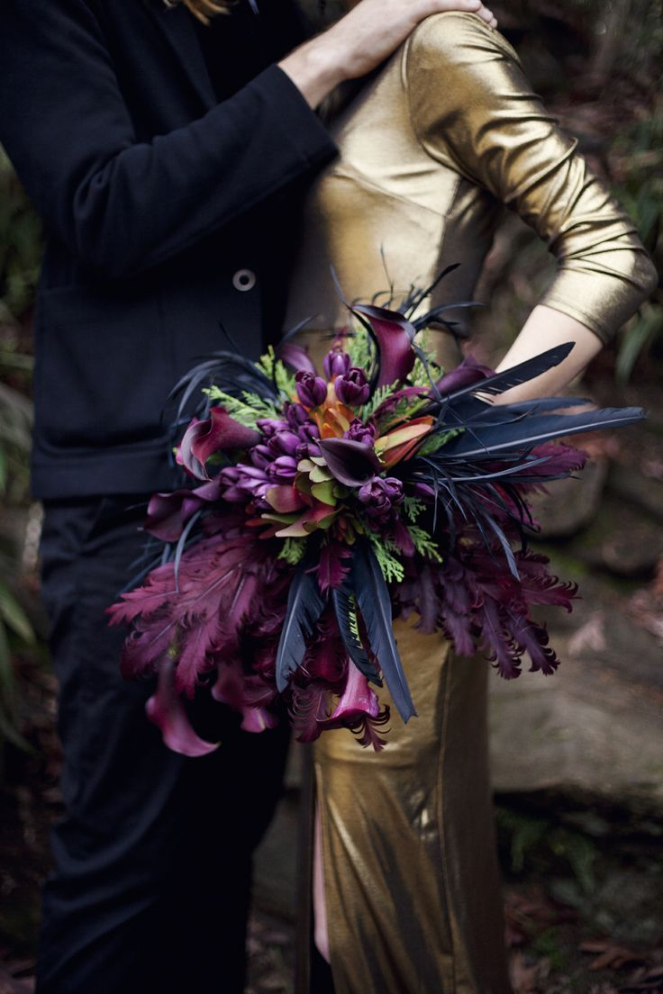 Snow White and the Huntsman Inspired Shoot - Kait Winston Photography - Black and Gold Wedding - Evil Queen - Feather Bouquet