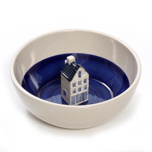bowl by hollandschewaarenCanal House, Schaal Met, Little House, Studiodewinkel Nl, Hollandschewaaren Dutch, Hollandsch Waaren, Amsterdam, Dutch Design, Ceramics Bowls