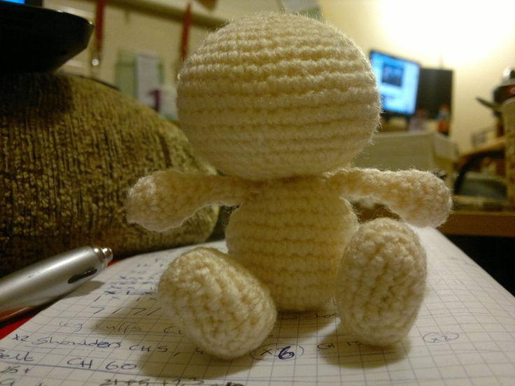 Basic Amigurumi Human Base https://amiguruthi.wordpress.com/2012/08/26/basic-amigurumi-human-base-free-pattern/