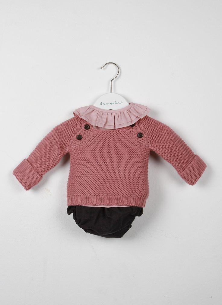 Jersey cuatro botones rosa, Blusa bebé rosa, Pololo franela gris | El Lagarto Esta Llorando http://www.ellagartoestallorando.com/tienda/look/oi2014/17-2