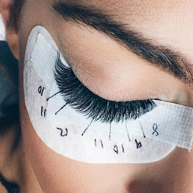 Key to perfectly shaped lashes like this set by @asiakaybeauty? That Borby Blueprint. Don't know what we're talking about? Go to our website and sign up for a course to learn the Borboleta way. | #borboletabeauty #eyelashextensions #eyelashes