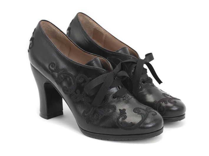 These Sight oxfords from John Fluevog need to get in my closet now!
