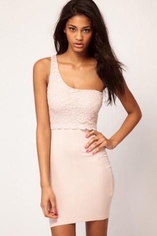 ASOS – Kleid mit One-Shoulder-Träger und Oberteil mit Spitze