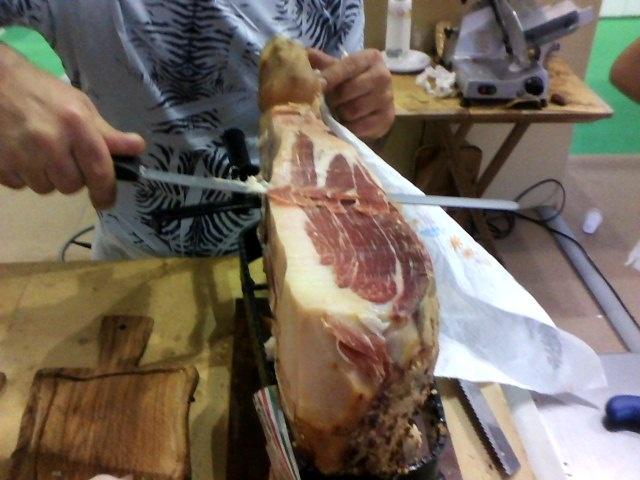 How to cut Prosciutto of Maremma!  #maremma #tuscany #prodottitipici #localproducts #food