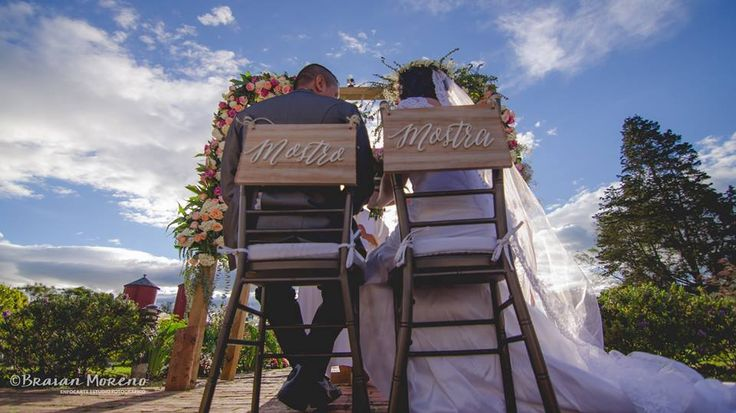 Letreros sillas novios. #WeddingCeremony