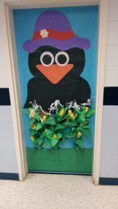 Crow-and-Corn-Classroom-Door-Decoration-ideas