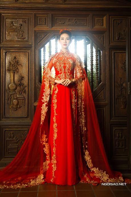 Thanh Trúc diện áo dài cưới kết hợp áo choàng lộng lẫy - Ngoisao Ngôi sao