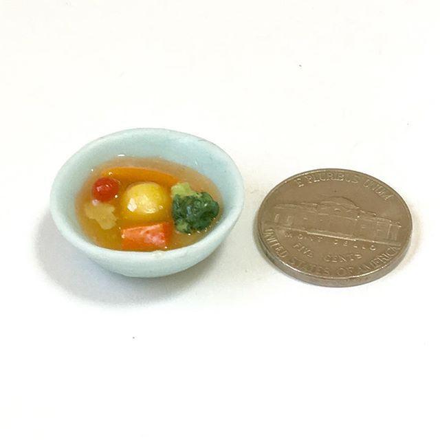 #ポトフ #煮込み料理 #スープ #にんじん #ソーセージ #キャベツ #玉ねぎ #じゃがいも #ブロッコリー #potaufeu #stews #soup #carrot #sausage #cabbage #onion #potato #broccoli #handmade #claywork #miniature #miniturefood #fakefood