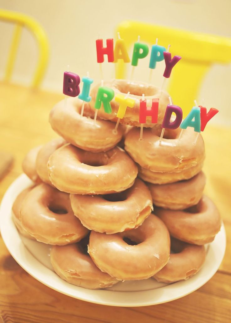 I want this next year, or maybe I'll do this for some friends. It is just too cute!   ~Laura    Donut Birthday Cake