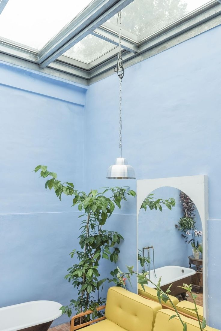 Blue bathroom. Dresdener Strasse 117   Fantastic Frank