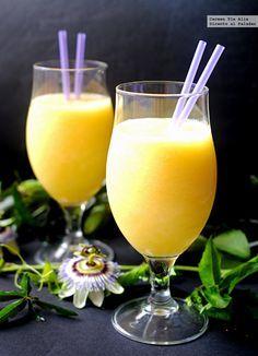 Cómo hacer smoothie de piña, mango y agua de coco