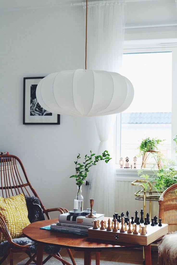 Produkten Taklampa ECO off white 60 cm säljs av Lampverket unika lampor & lampskärmar i vår Tictail-butik. Tictail låter dig skapa en snygg nätbutik helt gratis - tictail.com