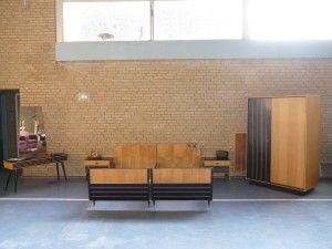 Dutch Deens Design Slaapkamer Compleet met 2 Bedden, Nachtkastjes, Hang-legkast en Toilet Kaptafel