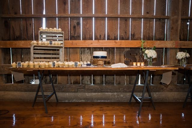 Rustic cake table.