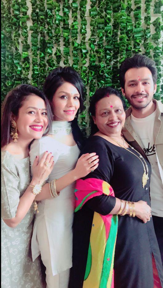 Neha Kakkar, Sonu Kakkar, Tony Kakkar With Mother