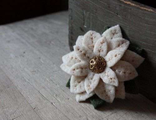Christmas Craft - Felted Poinsettia Brooch