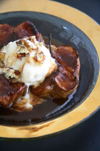 Baked Cinnamon Apples with Ice cream