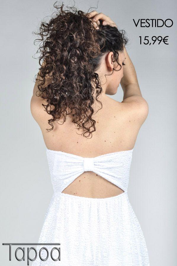 vestido blanco con tejido de encaje
