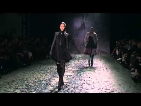 Gareth Pugh Fall Winter 2012/2013 Fashion Show