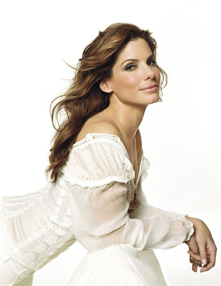 Sandra Bullock - my favorite actress. Does not look anywhere near her age!