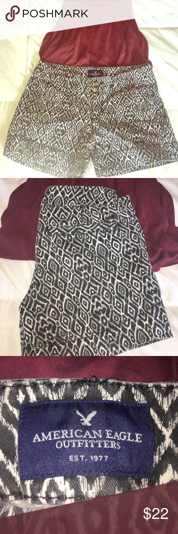 American Eagle size 2 Aztec print shorts. Gently worn comfortable stretch black and white Aztec print shorts. American Eagle Outfitters Shorts