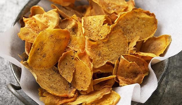 5 Creative Ways To Make Your Own Healthy Veggie Chips  http://www.prevention.com/food/healthy-eating-tips/make-your-own-veggie-chips?_ga=1.59130088.4584656.1460686886