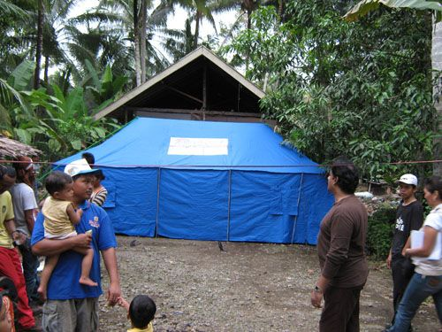 VJM distributed 31 tents to families,7 Tents to school in Padang Earthquake victims