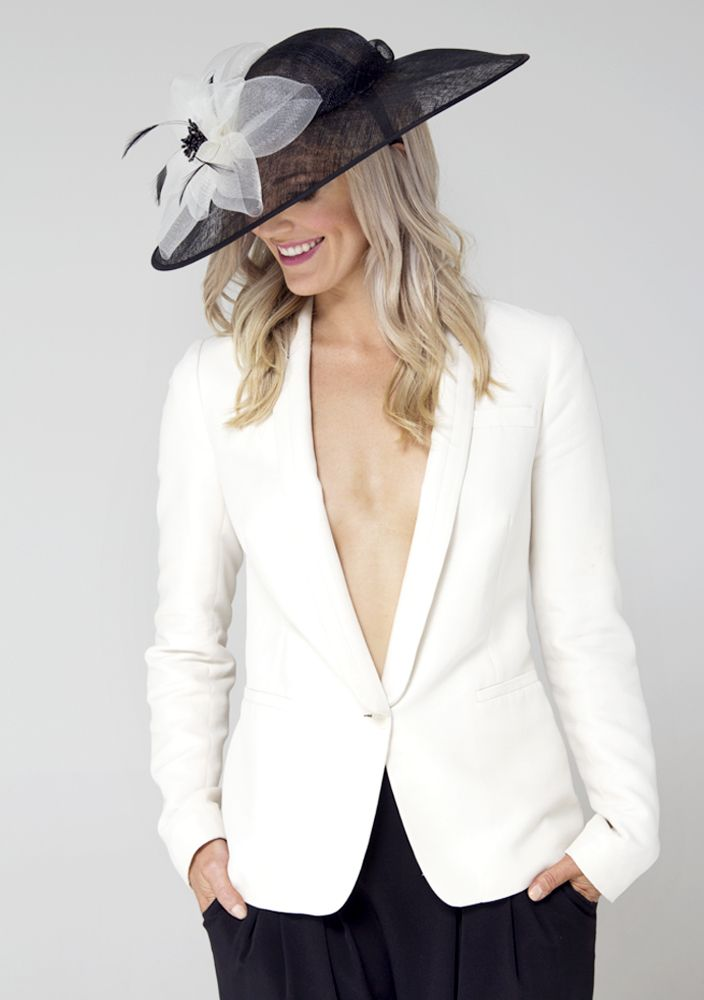Stunning black and white is always on trend. Our model Katrina wears Cover me Clementine brimmed hat to match. @alicegoesout