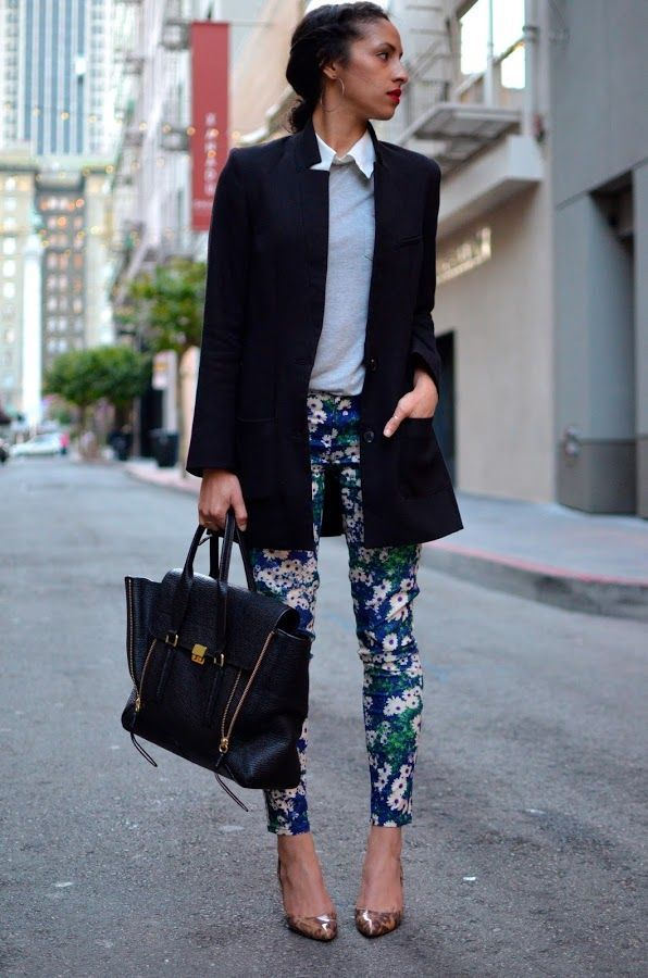 job interview outfits | printed pants, blazer and heels